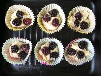 Blackberry Cakes in cups