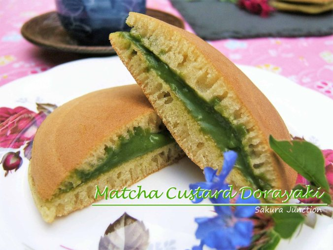matcha-custard-dorayaki-halved